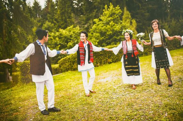 A-different-wedding-in-todays-Romania-575564ef6b92e__880